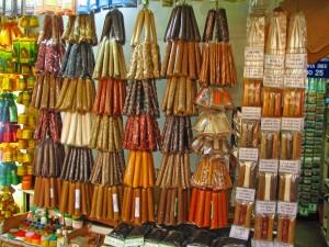 Sri Lanka - 080 - Spice shop in Kandy Market - tête de gondole
